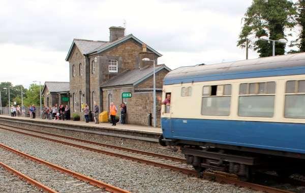 26Emerald Isle Explorer Steam Train in Millstreet 2016 -600