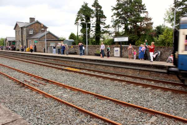 27Emerald Isle Explorer Steam Train in Millstreet 2016 -600