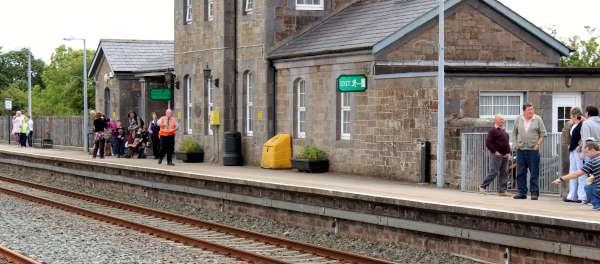 2Emerald Isle Explorer Steam Train in Millstreet 2016 -600