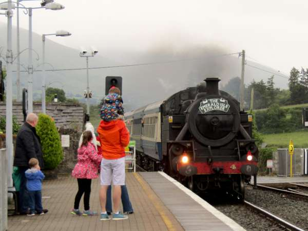 On its return journey from Killarney just after 5pm on Saturday passing Millstreet Railway Station.