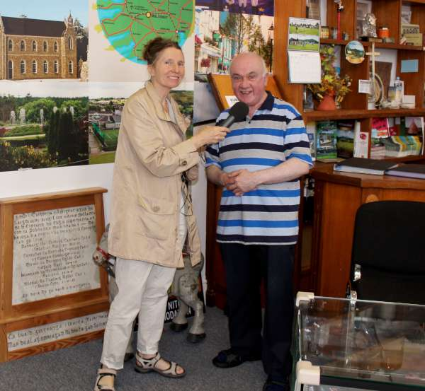 4Radio Kerry's Mary Fagan in Millstreet  June 2016 -600