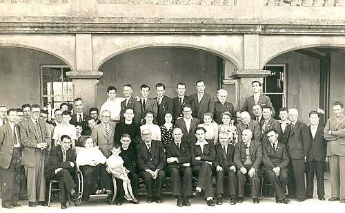 The very first Daonscoil na Mumhan in Ring, Co. Waterford. Pádraig is seated in front on extreme right. Click on the images to enlarge. (S.R.)