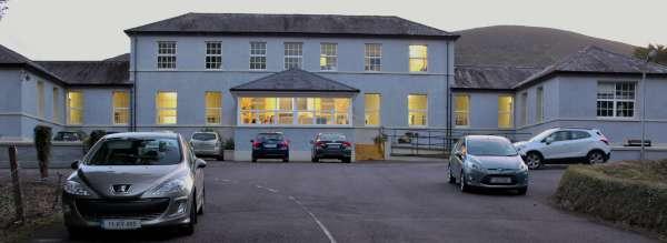 10hospital-presentation-to-millstreet-mens-shed-2016-600