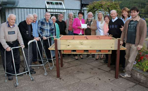2hospital-presentation-to-millstreet-mens-shed-2016-600