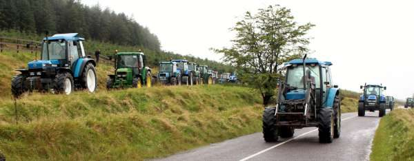 4tractor-run-in-carriganima-18-sept-2016-600