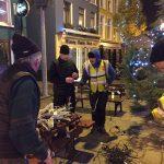 2016-11-25-putting-up-the-christmas-lights-01
